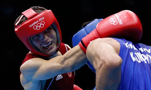 Российский боксер Давид Айрапетян стал бронзовым призером Олимпийских игр в весовой категории до 49 кг. В полуфинале он проиграл боксеру из Таиланда Као Понгпрайону.