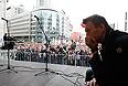 """Алексей Навальный на акции """"Марш миллионов"""" во время шествия от Пушкинской площади к проспекту Сахарова."""