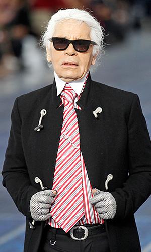 Показ коллекции Karl Lagerfeld весна-лето 2013 для модного дома Chanel.