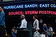 """Американские торговые площадки отменяют торги в понедельник из-за урагана """"Сэнди"""", не исключено, что приостановка торгов может продлиться и во вторник. """"Мы поддерживаем единое мнение торговых площадок и регулирующих органов, что в опасной ситуации, создающейся из-за урагана """"Сэнди"""", будет чрезвычайно сложно обеспечить безопасность наших сотрудников…"""", - говорится в сообщении New York Stock Exchange."""