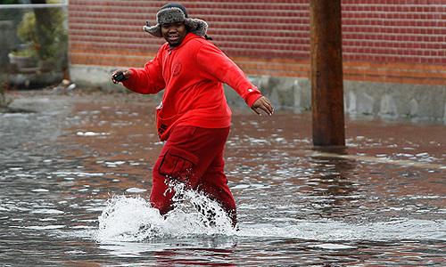 """Ураган """"Сэнди"""" может привести к ущербу в размере $10-20 млрд, убытки страховых компаний могут составить $5-10 млрд., говорится в предварительном прогнозе компании по моделированию катастроф Eqecat."""