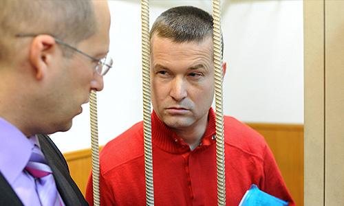 Помощник депутата Госдумы РФ, оппозиционер Леонид Развозжаев перед рассмотрением ходатайства о продлении срока ареста в Басманном суде.