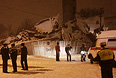 Стоящийся трехэтажный дом обрушился в Таганроге в четверг вечером: в результате погибли 5 человек, пострадали 13. двое госпитализированы в реанимацию, еще пятеро находятся в тяжелом и крайне тяжелом состоянии.