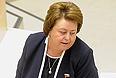 Председатель Комитета Совета Федерации по науке, образованию, культуре и информационной политике Зинаида Драгункина на заключительном заседании осенней сессии Совета Федерации РФ.