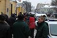 В центре Москвы на Поварской улице в среду был убит известный преступный авторитет Аслан Усоян, больше известный как вор в законе Дед Хасан.