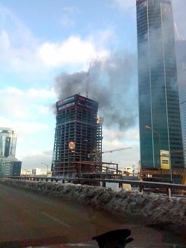 """Пожар в высотке """"Москвы-Сити""""."""