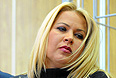 Согласно решению суда, Васильева будет находиться под домашним арестом до 23 мая, ей по-прежнему запрещено общаться со свидетелями и обвиняемыми по делу, общаться со СМИ, слать письма. Суд разрешил обвиняемой гулять по одному часу в день при обязательном уведомлении следователя.