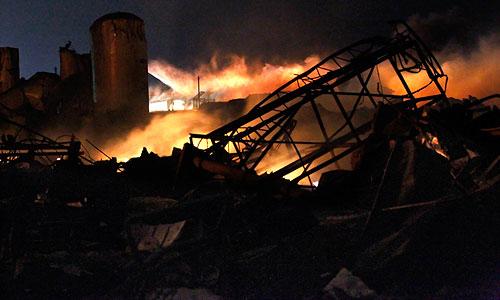 Взрыв на заводе вызвал массовое отключение электричества в Весте. По данным обслуживающей город энергокомпании Oncor, без света остались как минимум 200 человек.