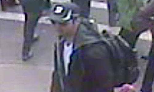 ФБР показало подозреваемых в совершении теракта в Бостоне.