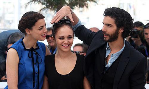 """Беренис Бежо, Полин Бурле и Тахар Рахим представили в Каннах фильм """"Прошлое""""."""