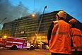 Пожар был локализован в 00:15. Общая площадь огня составила около 2 тыс. кв. м. К тушению пожара были привлечены 33 единицы пожарной техники и около 500 человек личного состава.