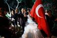 Выступления в Турции начались 31 мая с акции экологов, которые выразили протест против планов властей построить на месте парка Гези в Стамбуле торгово-развлекательный комплекс. Вскоре манифестации перекинулись и на ряд других городов страны и приобрели ярко выраженный антиправительственный характер.