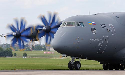 Грузовой самолет Ан-70 на авиасалоне в Ле Бурже.