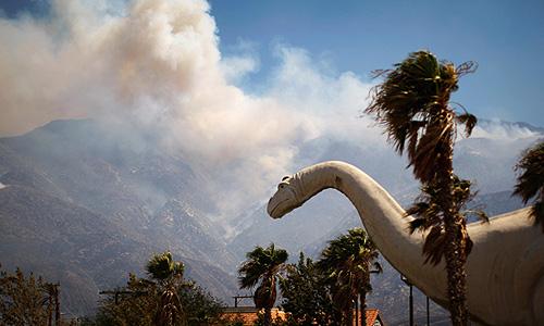 Из-за распространяющихся по штату лесных пожаров жители Калифорнии покидают свои дома.