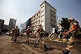 По мнению наблюдателей, это приведет к новым жертвам среди демонстрантов и полиции, которые за среду и четверг текущей недели, по данным властей, уже превысили 600 человек. Оппозиция нынешней власти утверждает, что число жертв разгона демонстрантов составило около 2 тыс.