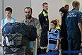 Самолетом МЧС Сирию покинули 89 человек, 75 из которых граждане РФ. В основном это женщины и дети. В Сирию на этом же самолете было доставлено порядка 20 тонн гуманитарной помощи. В Москву борт МЧС с эвакуированными россиянами вернулся во вторник около 23:00 по московскому времени.
