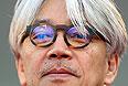 Член жюри Венецианского кинофестиваля композитор и актер Рюити Сакамото.