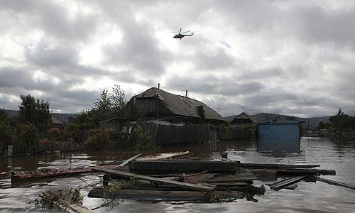 В поселке Менделеева (г. Комсомольск-на-Амуре) на улице Сторожевой, 28, произошел перелив воды через временную дамбу, сообщает пресс-служба ГУ МЧС по Хабаровскому краю.