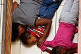 Кризис с захватом заложников в торговом центре Westgate в столице Кении Найроби продолжается третий день.