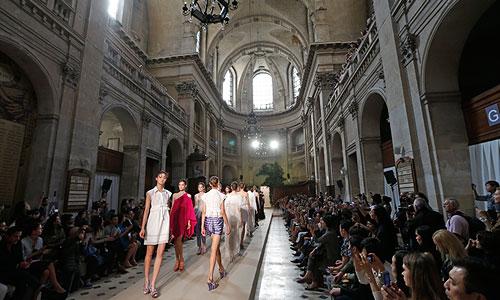 Неделя моды в Париже.