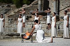 В Греции зажгли огонь Олимпиады