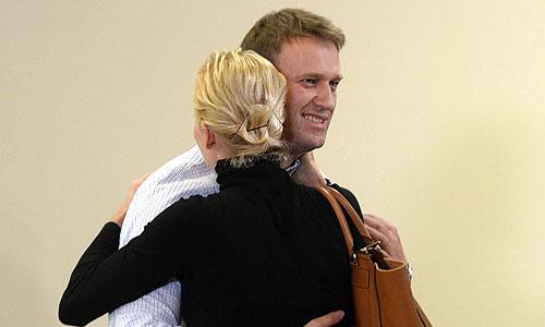 """Оппозиционный политик Алексей Навальный после оглашения приговора по делу """"Кировлеса"""" в Кировском областном суде."""