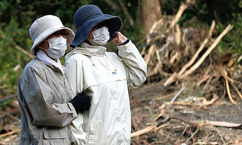 """Тайфун """"Вифа"""", обрушившийся на северо-восток Японии, вызвал затопления и сход оползней. На острове Идзуосима, расположенном в 120 км к югу от Токио, было разрушено более 30 домов."""