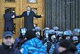 """Лидер фракции """"Удар"""" в Верховной Раде Украины Виталий Кличко во время пикета перед Кабинетом министров Украины в Киеве."""