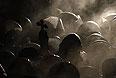 """Беркут"" пошел на штурм палаточного городка на майдане Незалежности около 3:30 мск."