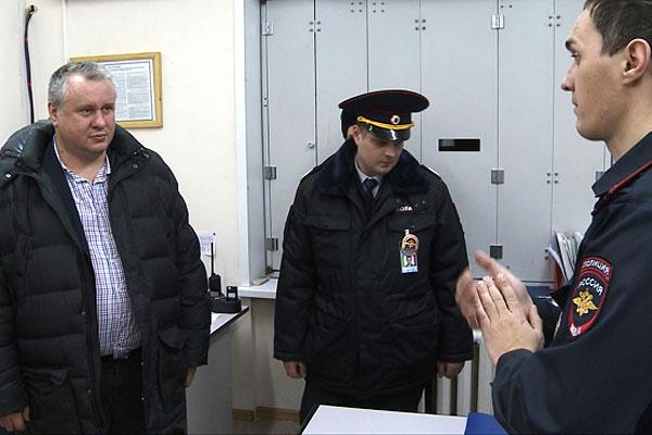 Пассажир Андрей Третьяков, устроивший драку в самолете и по вине которого Boeing-737 совершил вынужденную посадку в Новосибирске, оказался бывшим заместителем губернатора Челябинской области.