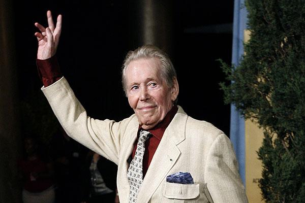 Известный британский актер Питер О'Тул скончался в Лондоне на 82-м году жизни.  Актер умер в одной из больниц Лондона в результате продолжительной болезни.