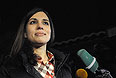 Участница группы Pussy Riot Надежда Толоконникова, освобожденная по амнистии, отвечает на вопросы журналистов у здания больницы номер 1 ГУФСИН по Красноярскому краю.
