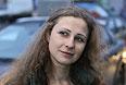 Участница Pussy Riot Мария Алехина в понедельник утром вышла из колонии N2 в Нижнем Новгороде, где она отбывала наказание.