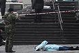 """Это уже второй в этом году теракт на территории Волгограда. В конце октября смертница <a href=""""http://www.interfax.ru/russia/txt/336169"""" target=""""_blank"""">взорвала бомбу</a> в местном автобусе, погибли восемь человек, пострадали более 30."""