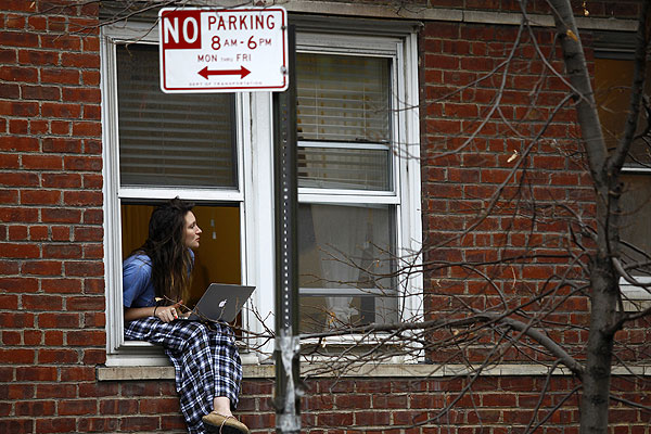 Девушка, живущая по соседству с погибшим актером.