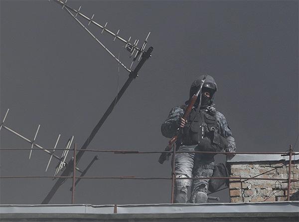По данным киевской милиции, в результате столкновений в Киеве погибли девять человек - два милиционера и семь гражданских.