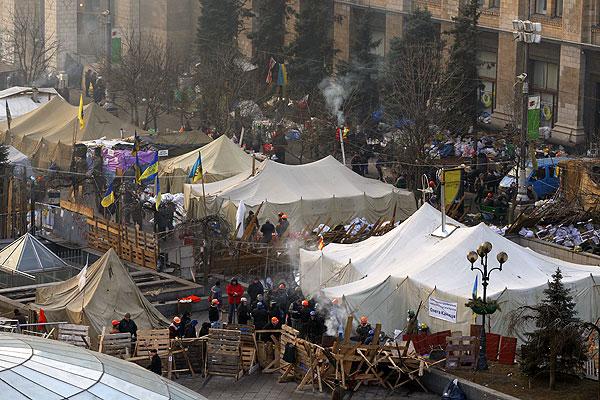 Утро 21 февраля. Лагерь протестующих на Майдане.