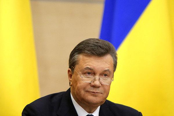"""""""Никто меня не свергнул, я вынужден был покинуть Украину под непосредственной угрозой жизни"""", - говорит политик. По его словам, власть в стране захватили """"националистические"""", """"профашисткие молодчики""""."""