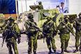 Военные у пограничной части Севастопольского отряда морской охраны Государственной пограничной службы Украины в Балаклавском районе Севастополя.