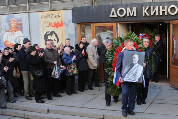 Церемония прощания с актером в Доме кино союза кинематографистов в Москве.