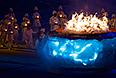 Чаша Паралимпийского огня во время церемонии закрытия XI зимних Паралимпийских игр в Сочи.