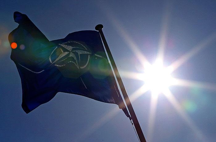 НАТО пересмотрит отношения с Россией