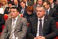 Премьер-министр Крыма Сергей Аксенов и вице-премьер Крыма Рустам Темиргалиев (слева) во время заседания Государственного совета Республики Крым в Симферополе.