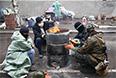 Ранее украинские власти объявили о начале широкомасштабной антитеррористической операции с привлечением вооруженных сил Украины и потребовали от протестующих сложить оружие и освободить административные здания к утру 14 апреля.