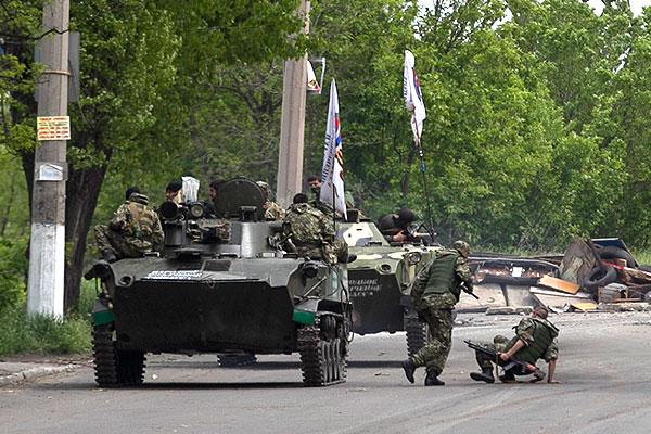 Бронетехника на подъезде к Славянску.