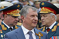 Игорь Сечин во время празднования Дня Победы в Севастополе.