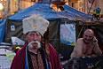 Сторонники евроинтеграции в палаточном лагере на площади Независимости в Киеве.
