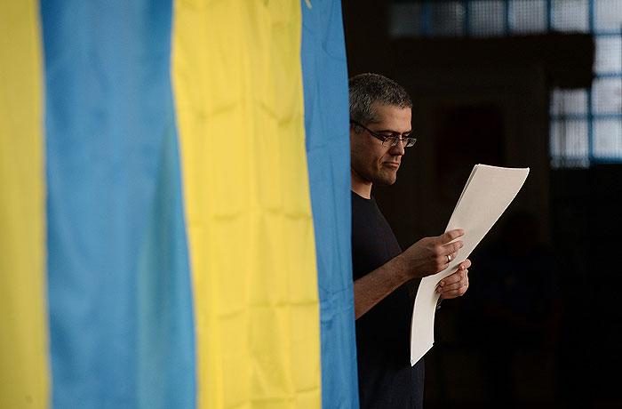 Порошенко побеждает на выборах президента Украины в первом туре