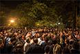 """Как передает корреспондент """"Интерфакса"""", по данным на утро 28 мая оппозиция продолжает удерживать здание администрации президента республики, а также Абхазское государственное телевидение."""