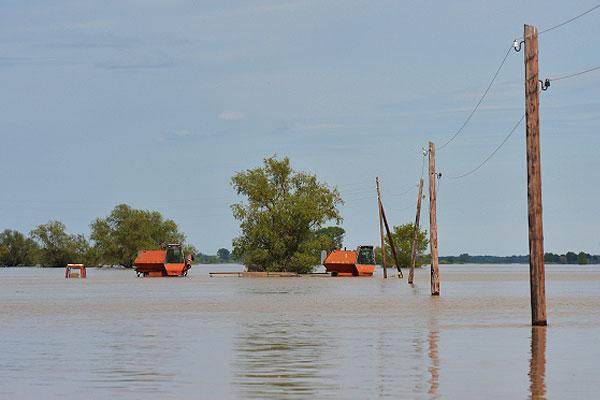 Затопленное село Усть-Чарыш в Усть-Пристанском районе Алтайского края.